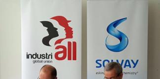 Valter Sanches, secretário-geral da IndustriAll Global Union (esq.) e Jean-Pierre Clamadieu, CEO do Grupo Solvay